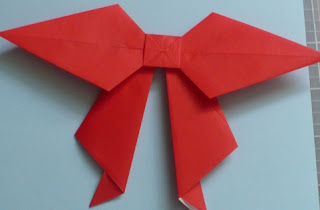 Fold The Bow Tip Under Center Square