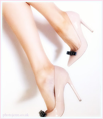 paper-dolls-nude-heels-bow-photojennic