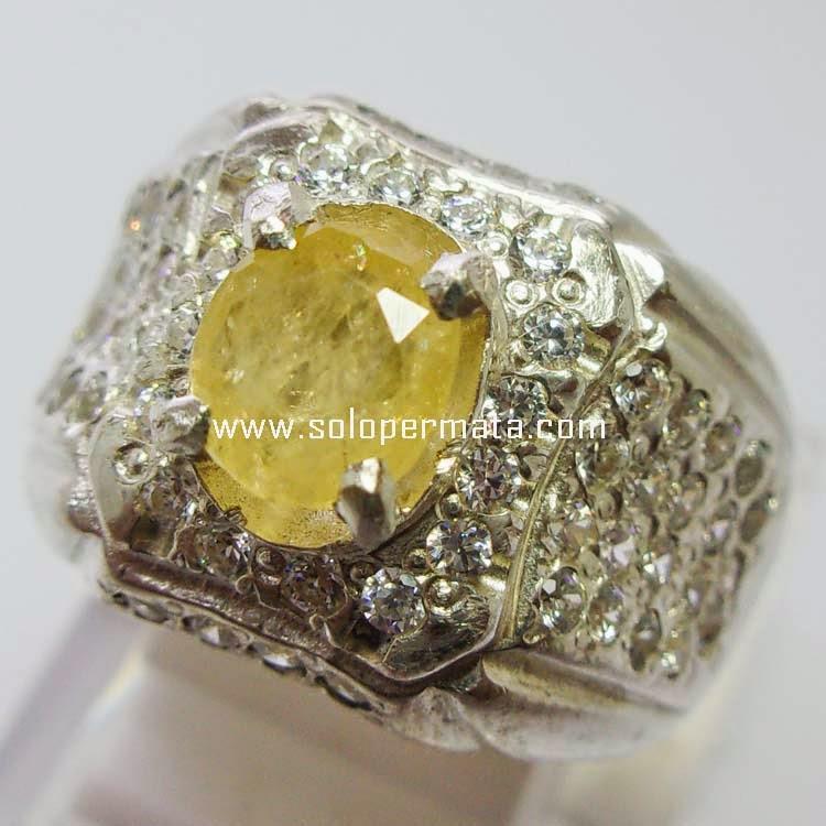 Batu Permata Yellow Sapphire Ceylon
