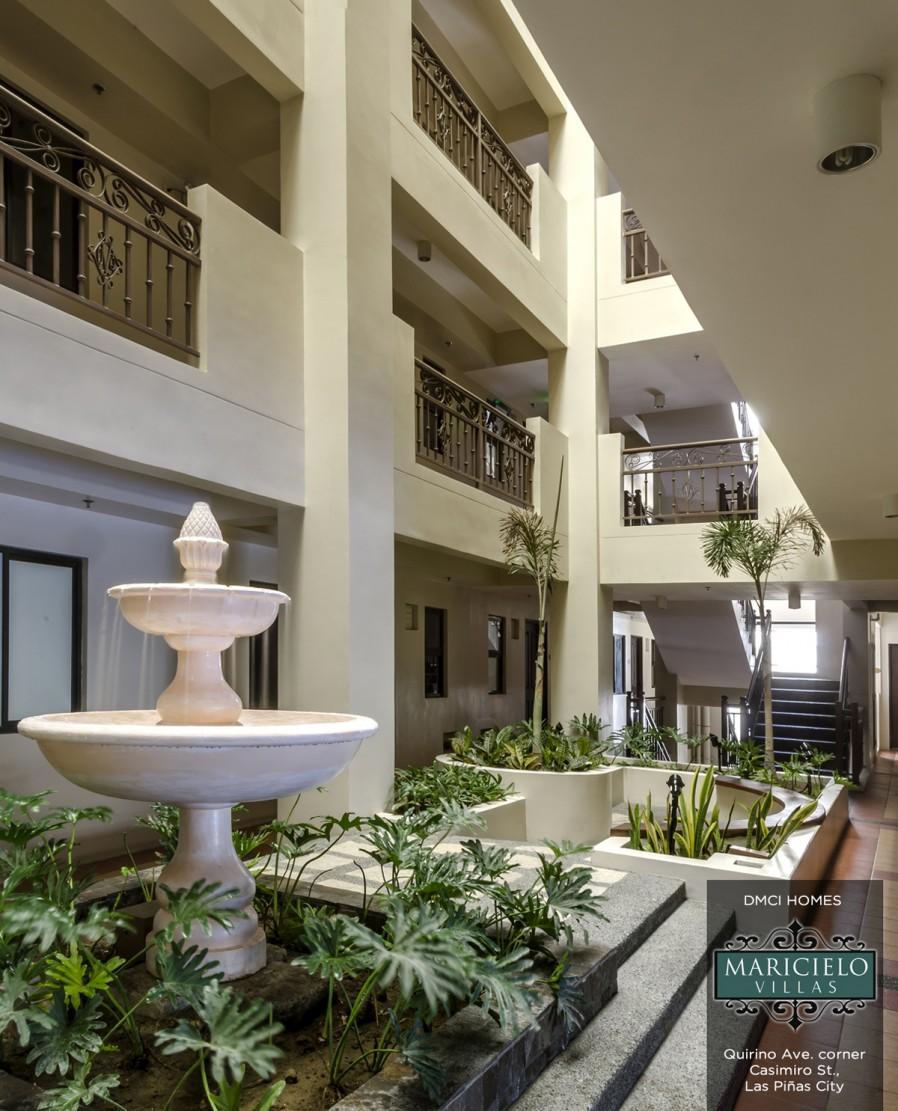 Maricielo villas for Atrium garden window