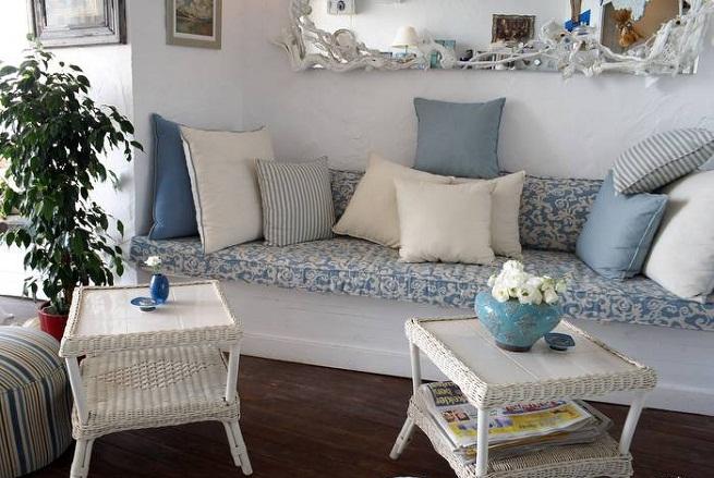 Azul e branco decora o estilo grego casa design interior for Sillones para apartamentos pequenos
