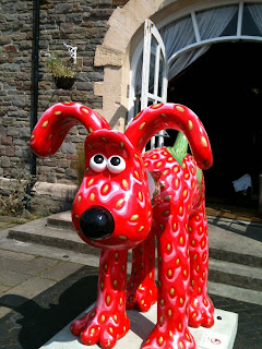 Gromit with a strawberry pelt