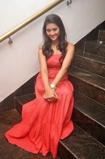 Pooja Jhaveri latest glamorous Pictures 017.JPG