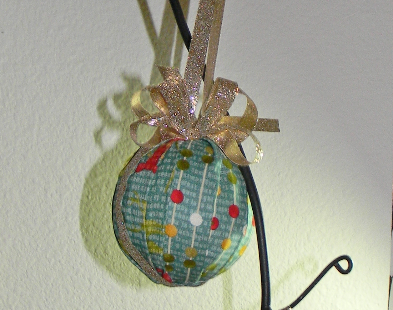 Sew Sweet Petunia: No-Sew Pleated Christmas Ornaments