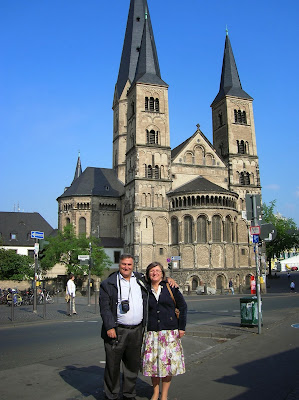Münster  Bonn, Basílica de Bonn, Bonn, Alemania, round the world, La vuelta al mundo de Asun y Ricardo, mundoporlibre.com