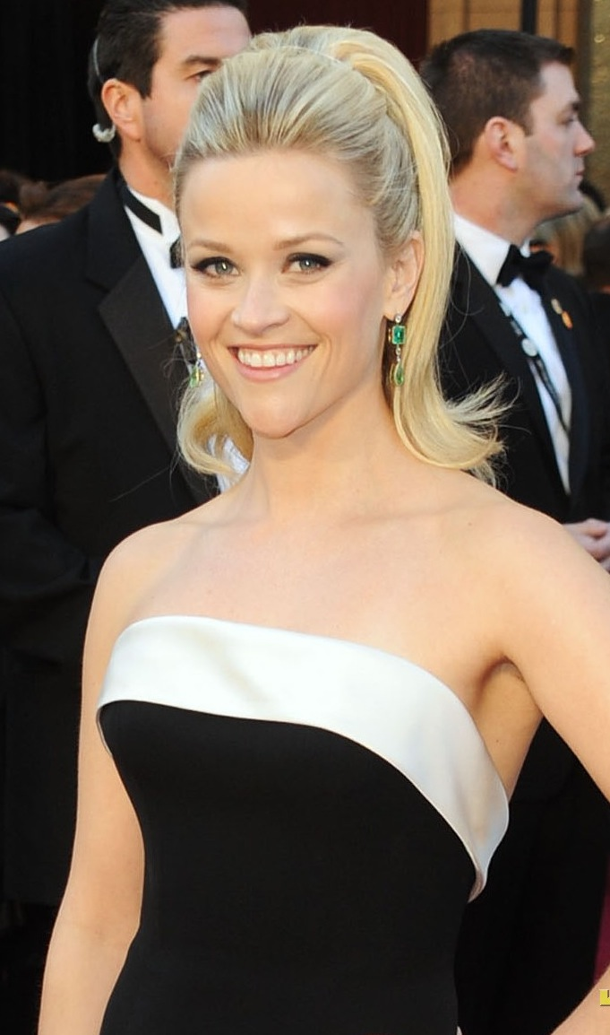 reese witherspoon oscars 2011 photos. 2011 Oscars Fashion