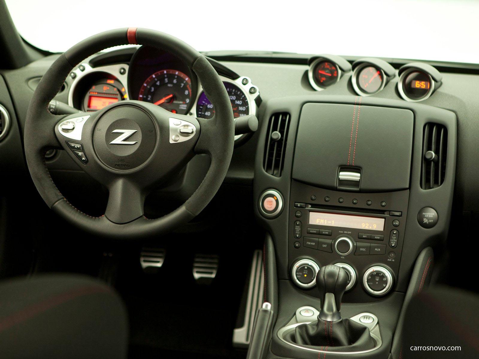 car i Nissan 370Z Nismo 2014