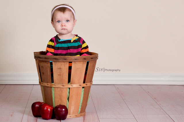 apple+4 Sydneys Fall Pictures | Marlton New Jersey Baby Photographer