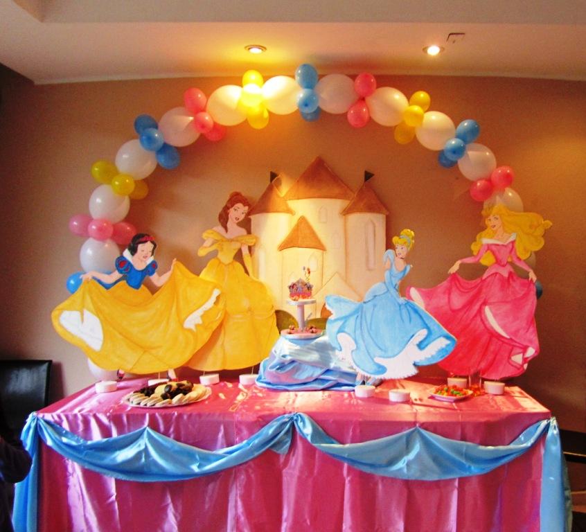 Decoracion de princesas propiasjpgw461h346 car interior for Decoracion de princesas