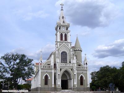 http://3.bp.blogspot.com/-605UNmtnvcw/T9KhVMpDMDI/AAAAAAAAmL0/buLWBZjR0UE/s400/Vicente+A.+Queiroz+-+Afogados+da+Ingazeira+%2528PE%2529+Catedral+do+Senhor+Bom+Jes..jpg