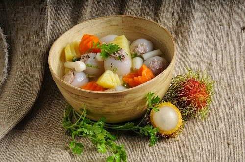 Vietnamese Soup Recipes - Canh chôm chôm nạc xay