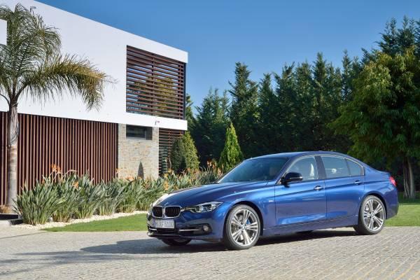 BMW新型3シリーズのスポーツラインフロント画像その2