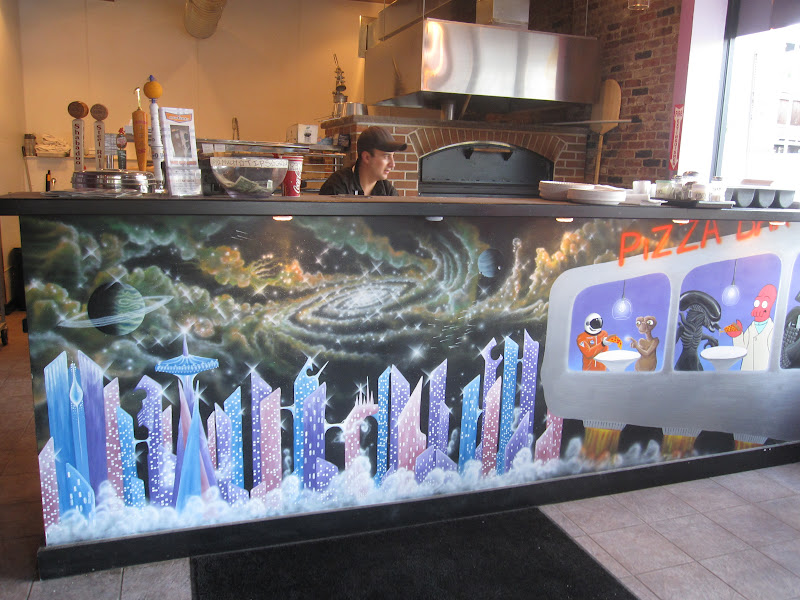 Pop bop shop dining out all star pizza bar for Beastie boys mural