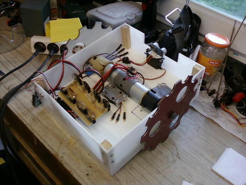 Gt diy cutflower tondeuse robot par arduino mise en