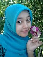 Adegan Seksi Cewek-Cewek ABG Jilbab Terbaru 2013