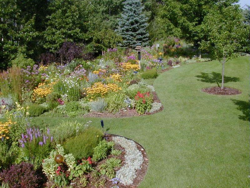 Flower bed edging ideas garden edging ideas for Garden border plant designs