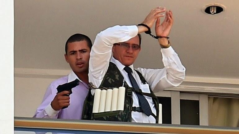 """NOTICIA - Supuesto Terrorista"""" con explosivos, tomó rehenes en un hotel de la ciduad"""