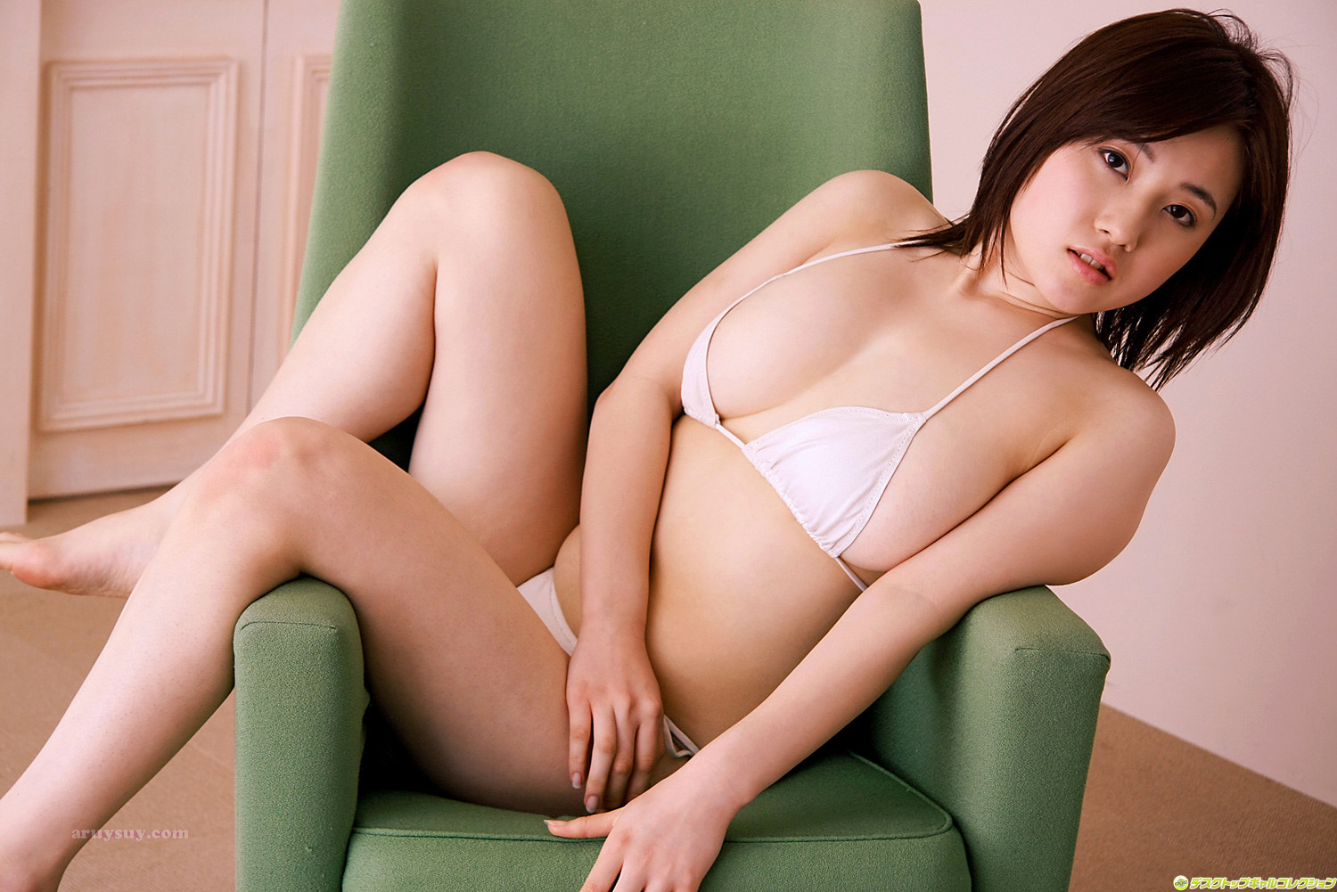 Photos of nude young girls