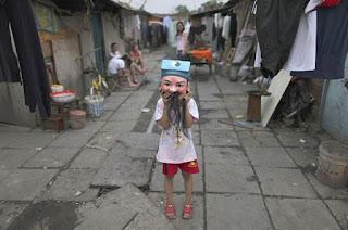 Máscara esquisita em criança
