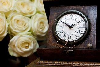 Adina Portaru — Căsătoria: o temă periferică?