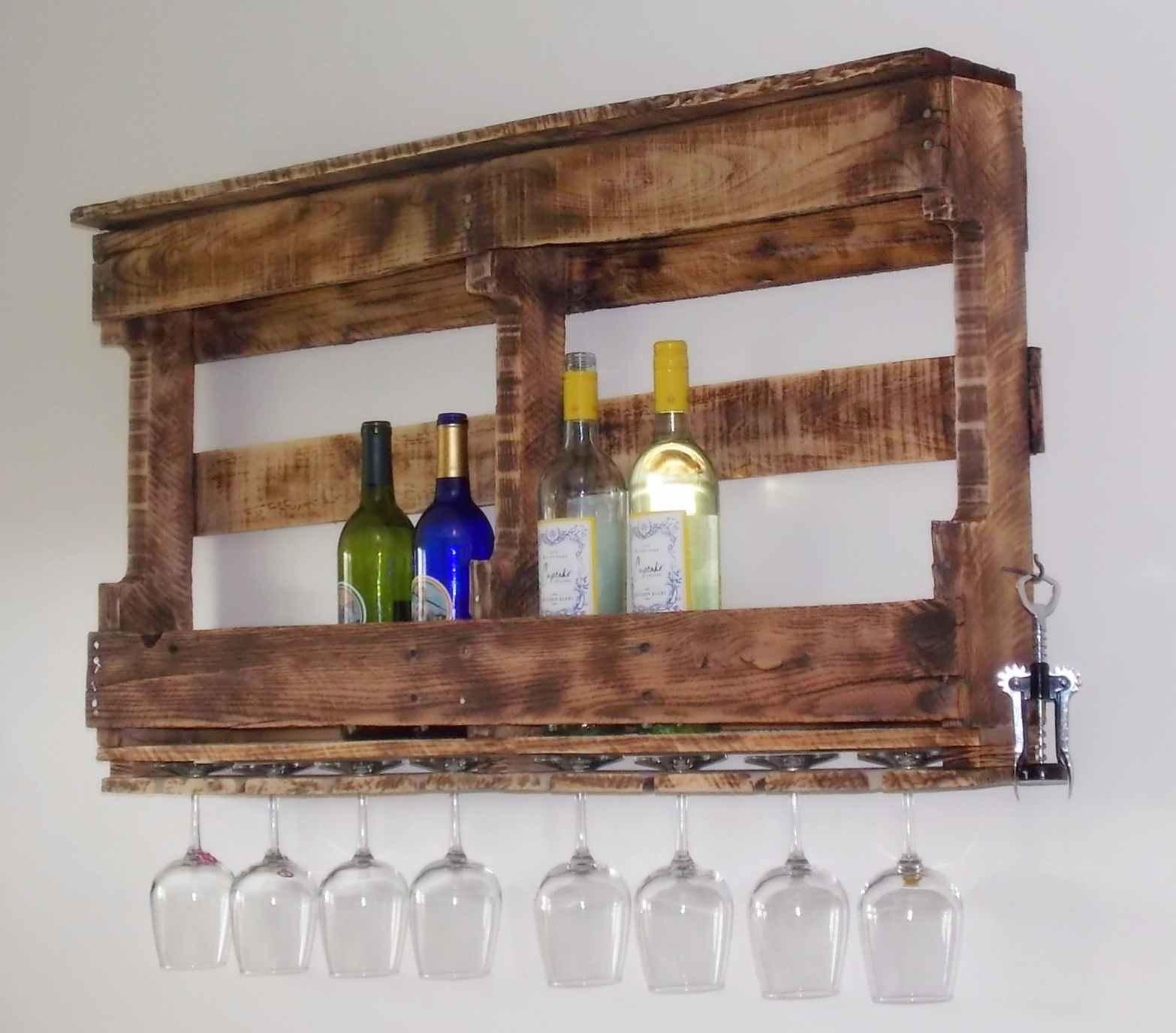 Pallet wine rack grumpy 39 s honey bunch for Etagere avec palette