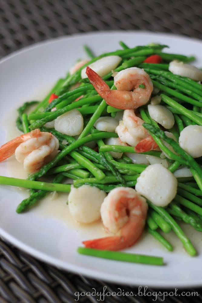 ... : Chinese stir fried baby asparagus with scallops and king prawns