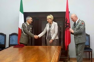 Defense Ministerof Albania decorates Italian military attaché accredited in Albania