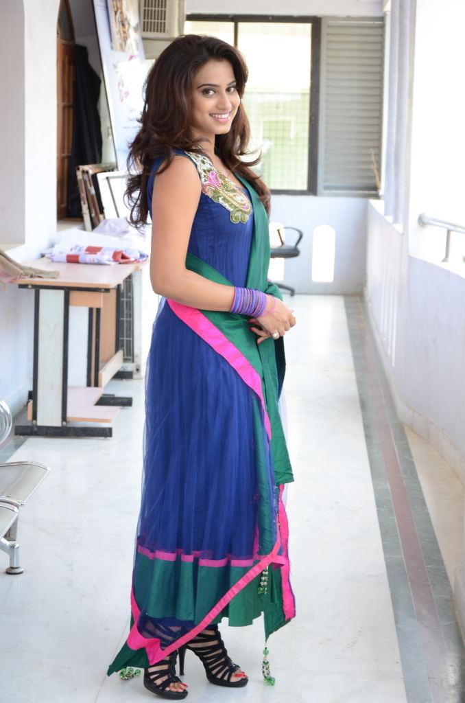 Glorious Dimple chopda in ethnic salwar suit