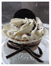 camilla har opskrift på Oreo cupcakes med hvit sjokoladetopping.