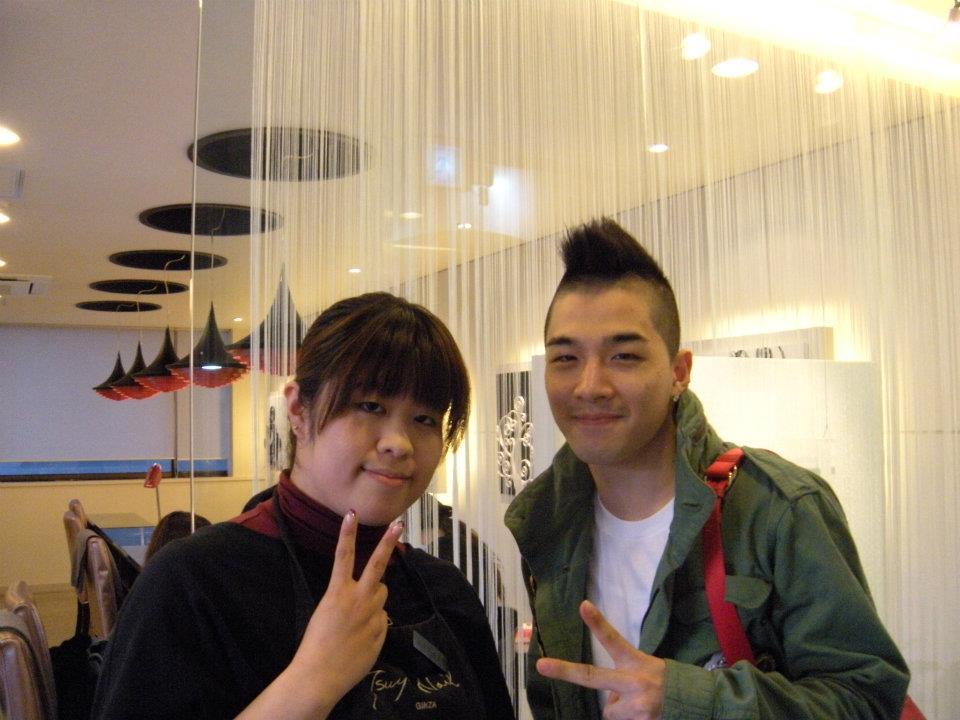 Taeyang  Photos - Page 2 Taeyang-Tsuya-Nails-Ginza-Japan