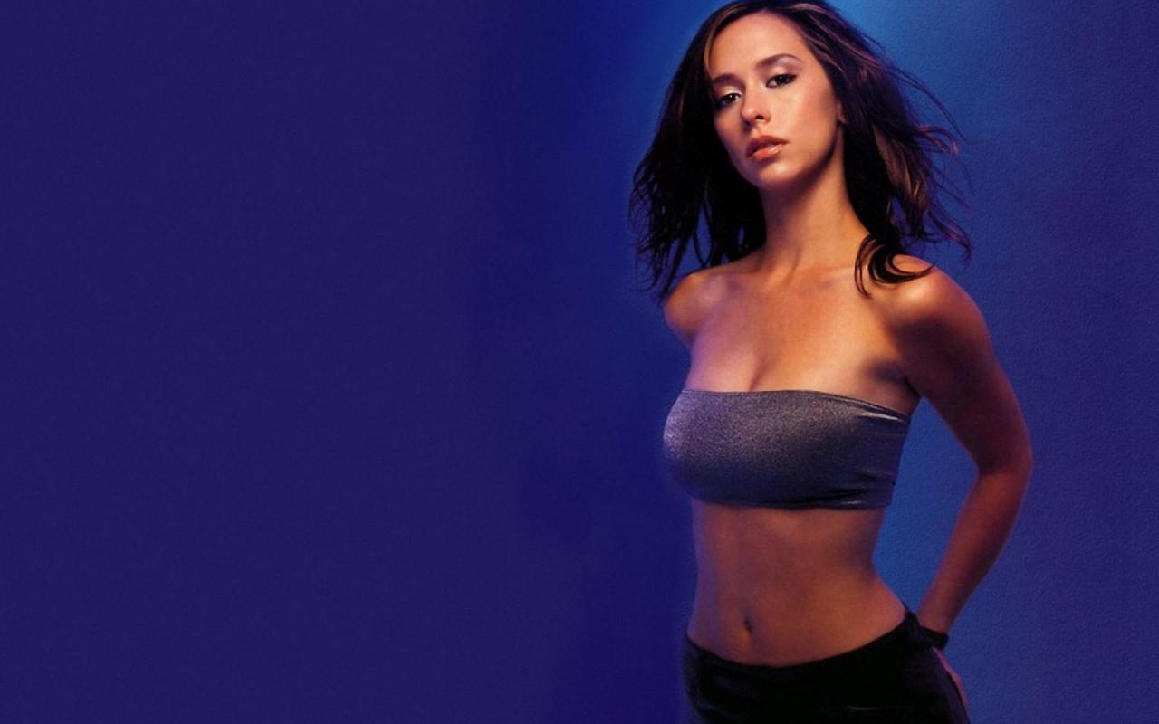 Jennifer Love Hewitt Hairstyle Trends: Jennifer Love Hewitt Hot Wallpapers