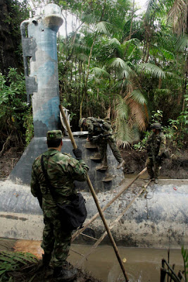 Drug Submarine Seized by Colombian Navy | A Seized Drug Smuggling Submarine Seen On www.coolpicturegallery.us