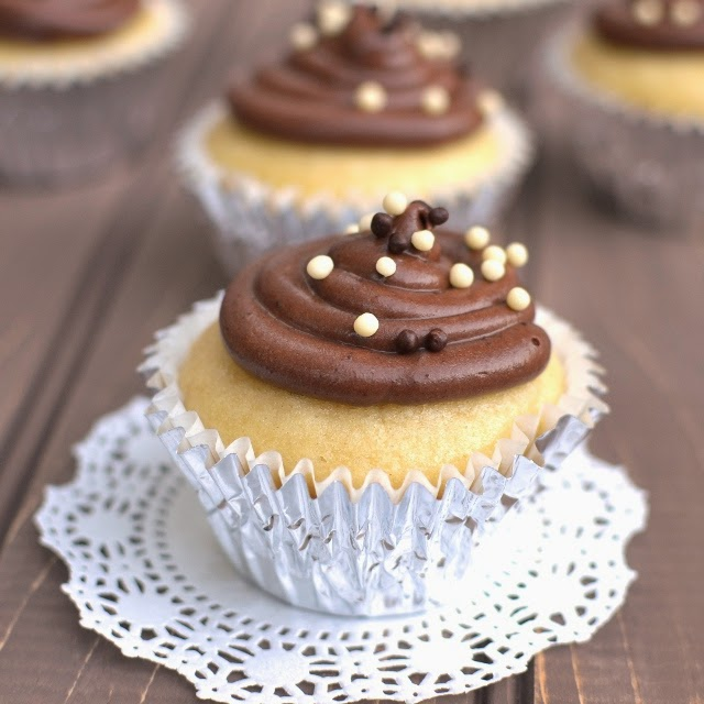 Basic Vegan Vanilla Cupcake