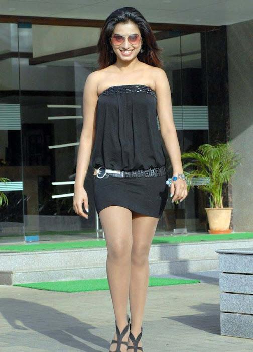 dimple chopda actress pics