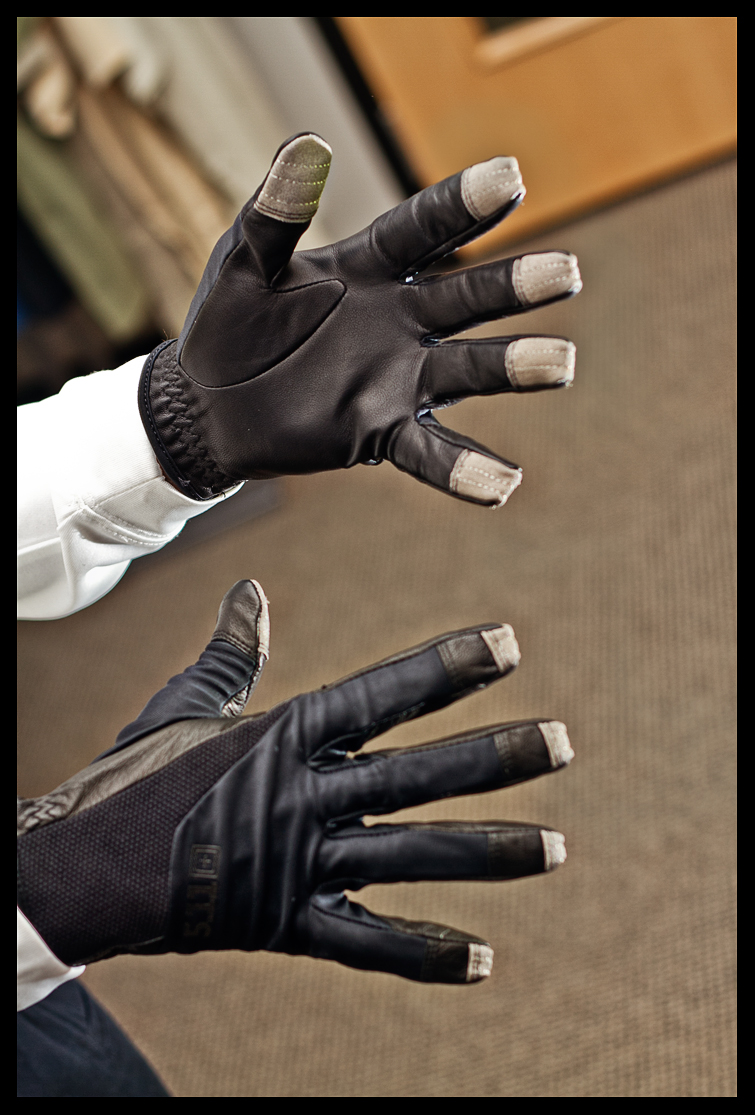 Pyramyd Airsoft Blog: New Screen Ops Tactical Gloves Allow Use of ...