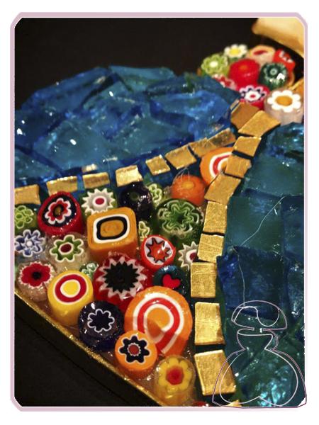 Detalle del colgante Menina de El Jardín del Edén por Sylvia López Morant
