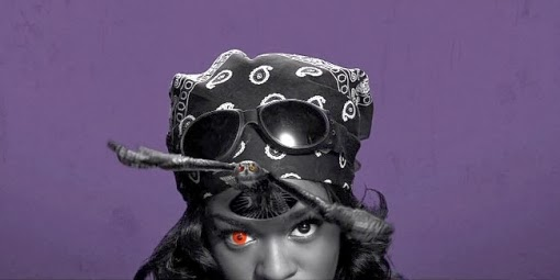Azealia Banks blood red contact lenses