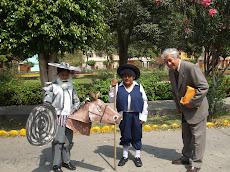 En el día del libro, el autor saluda a Don Quijote y Sancho