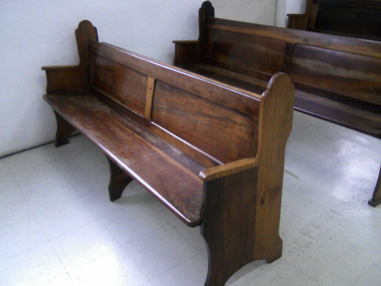 Bancos de jardim. Bancos de madeira e pés em ferro fundido. Bancos de #644737 1280x960