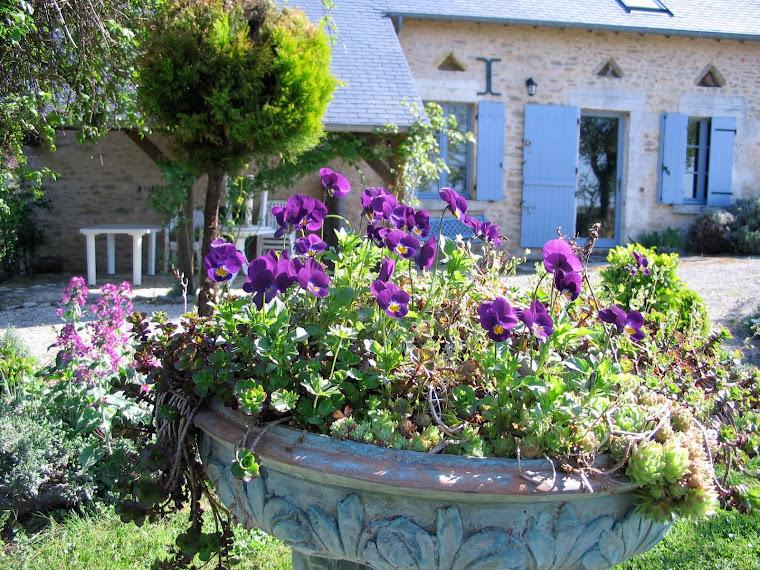 vasque en bronze de la petite maison