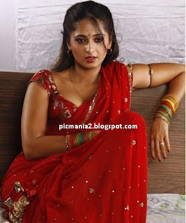 south indian anushka exposing hot without bra and cleavage show