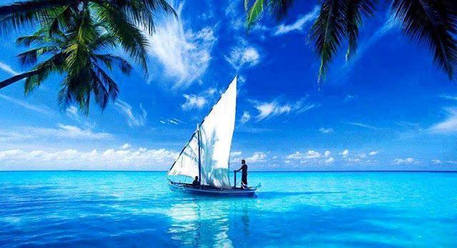 Keindahan Laut Yang Membiru