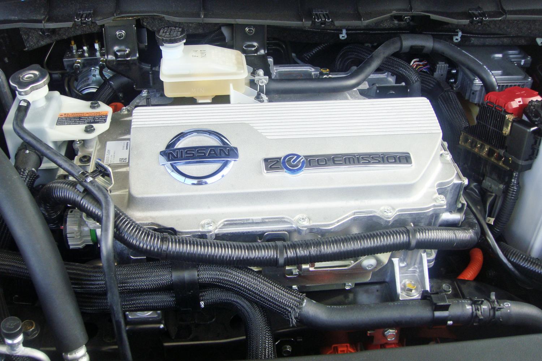 Ve culos el tricos os carros verdes emiss o zero de for Nissan motor acceptance number