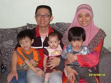 Gambar Keluarga Penulis