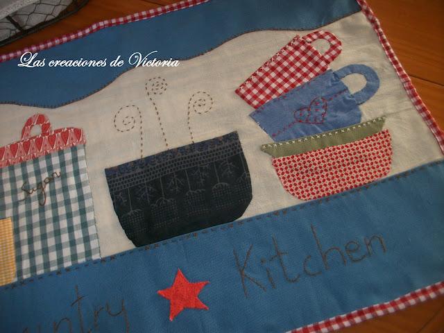 Las creaciones de Victoria.Patchwork.Mantel individual