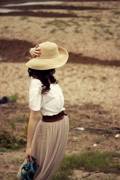 Cowboy hat and dress for ladies