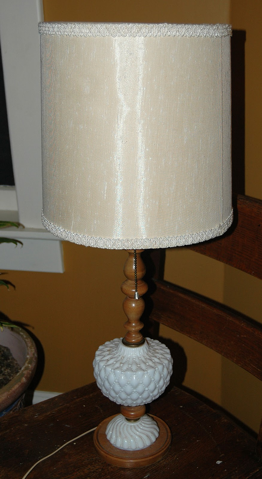 A Few Weeks Ago, I Went To An Estate Sale And Bought Two Matching Table  Lamps For Three Bucks. Hereu0027s One Of The Two, Before. (Click On Any Of The  Images To ...