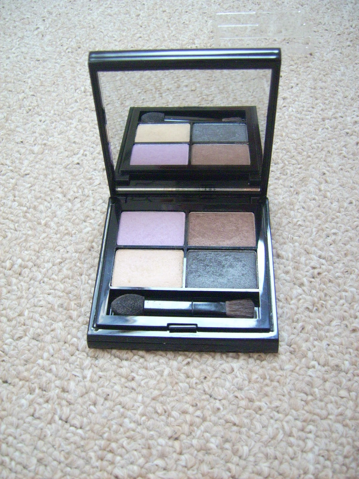 Elizabeth Arden Color Intrigue Eyeshadow Quad Golden Lilac