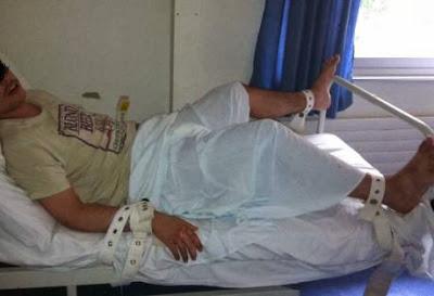 ΣΟΚ στην Πάτρα: Δεμένο με ιμάντες αυτιστικό παιδί στην Ψυχιατρική κλινική του Περιφερειακού Πανεπιστημιακού Νοσοκομείου Ρίου.