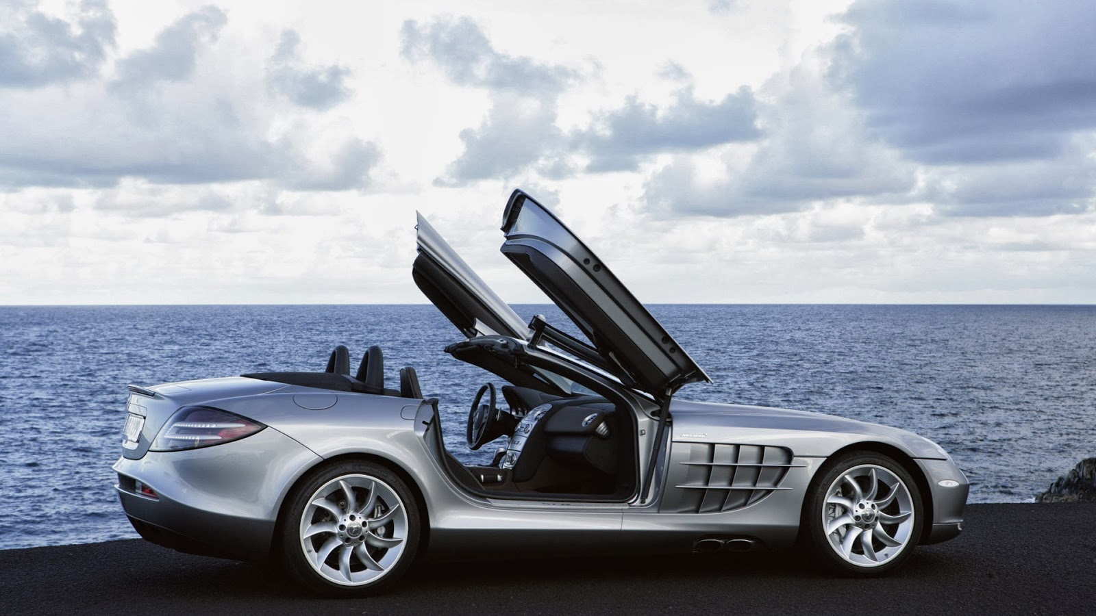 Mercedes Benz Cars Photo